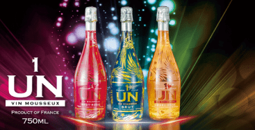 光るスパークリングワイン「UN(アン)」